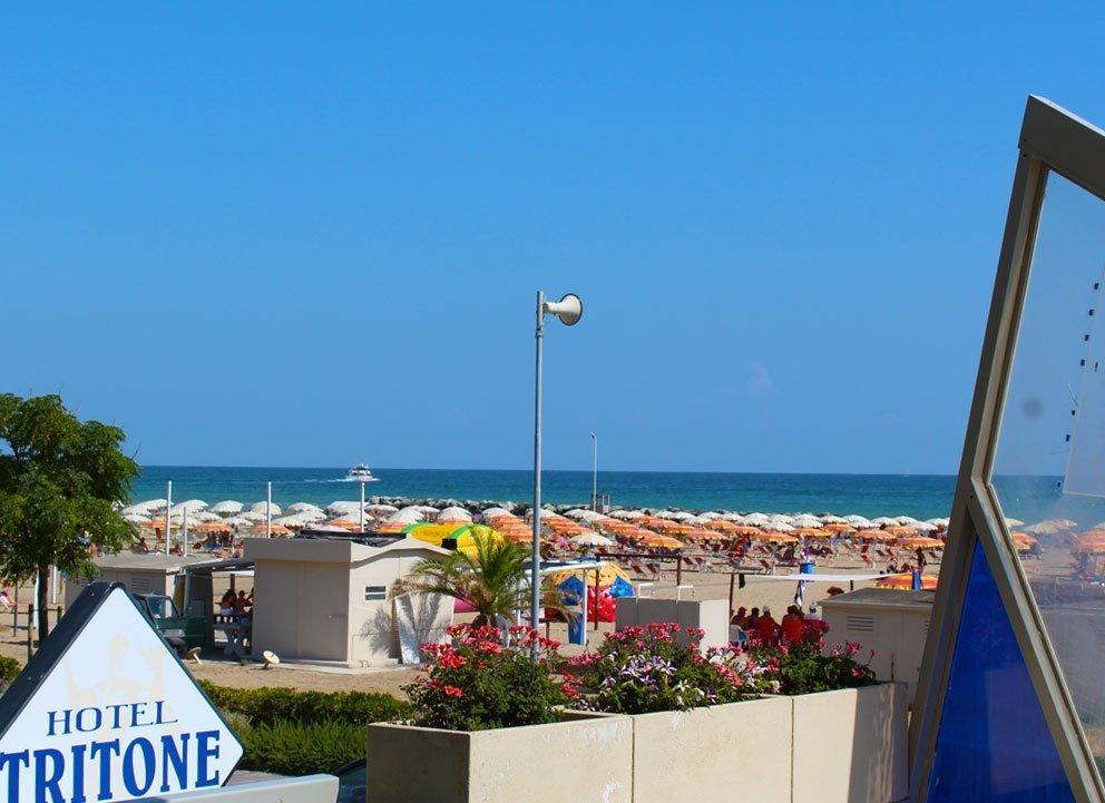 vista mare dal terrazzo della hall dell'Hotel Tritone Rimini